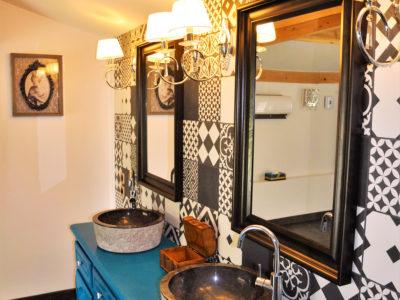 salle de bain chambre Domaine de l'héritage (Drôme provençale)